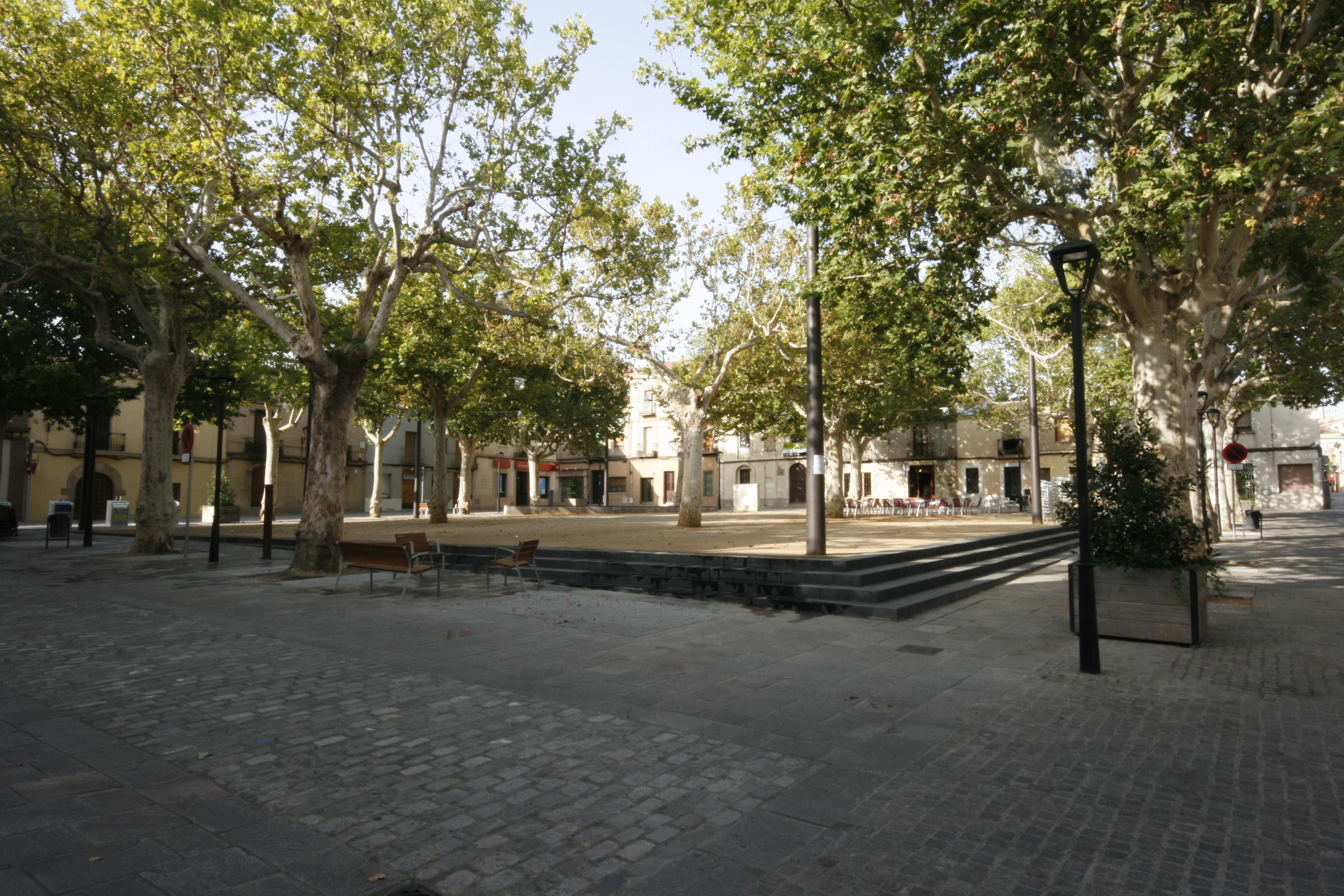 Fa Dies Que Teníem Pendent Fer Nos Ressò De La Finalització De Les Obres De  La Plaça Barcelona De Sant Cugat, De Les Que Ja Us Havíem Parlat  Anteriorment ...